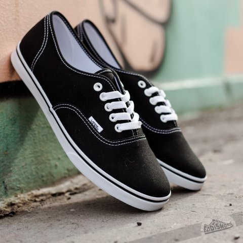Vans Authentic Lo Pro Black/ True White